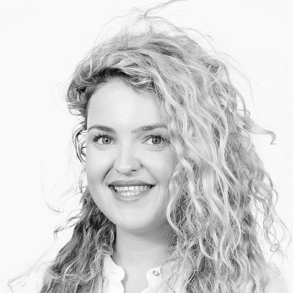 Elinor Davies Farn |  Regional Account Manager
