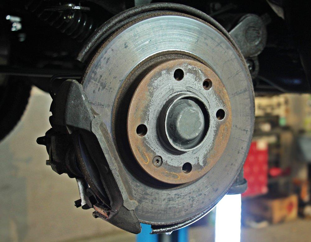 auto-repair-1954643_1920.jpg