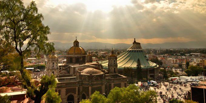Basilica-de-Guadalupe-Mexico-City-680x340-1436411932.jpg