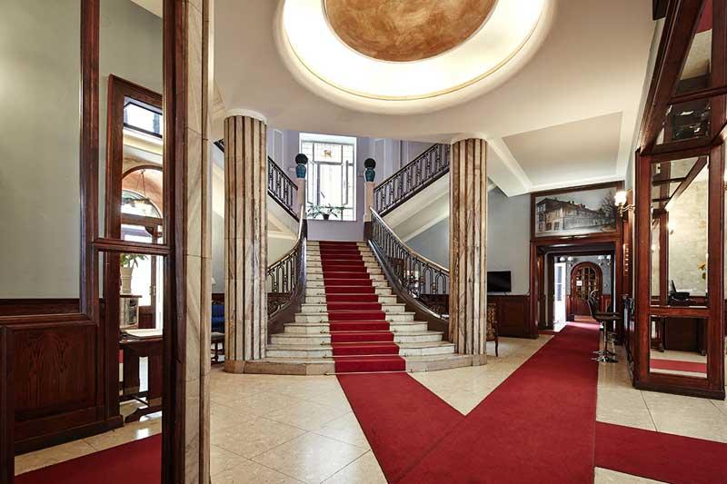 Hotel-Francuski-Entrance.jpg