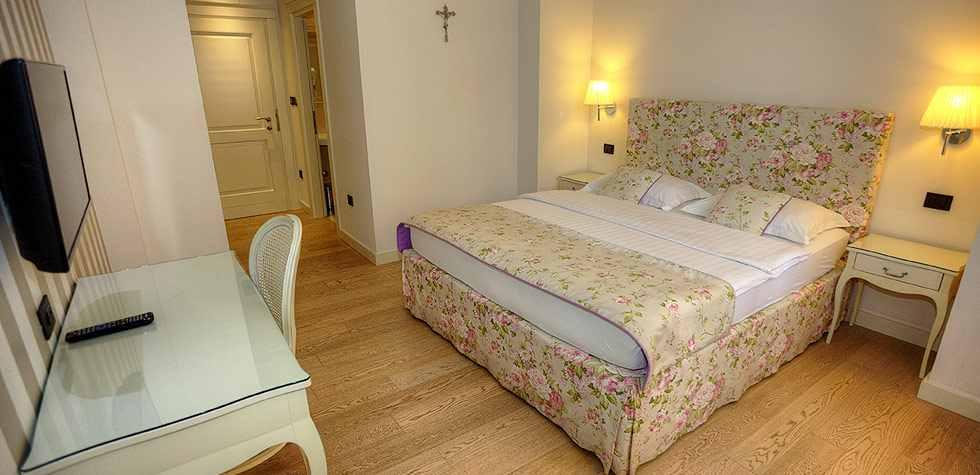hotel_grace_08.jpg