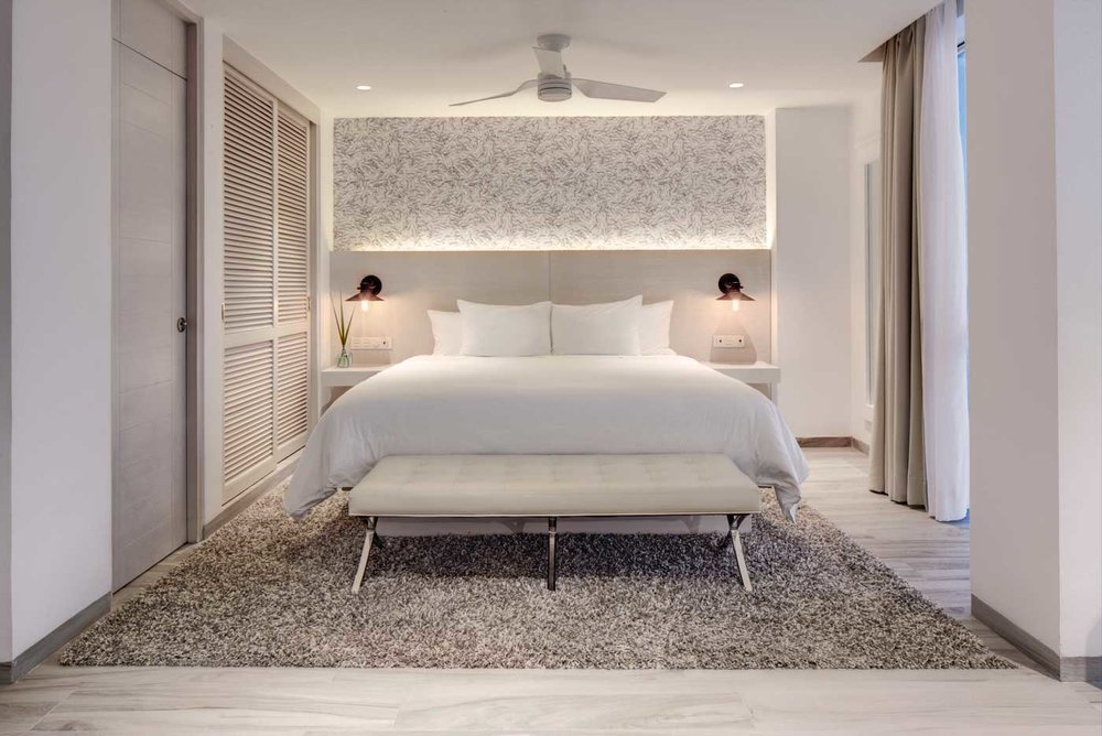 hotel-oleo-playa-cancun_King Room.jpg