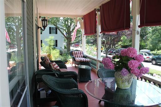 newport-rhode-island-inns-sarahkendallhouse-lodging.jpg