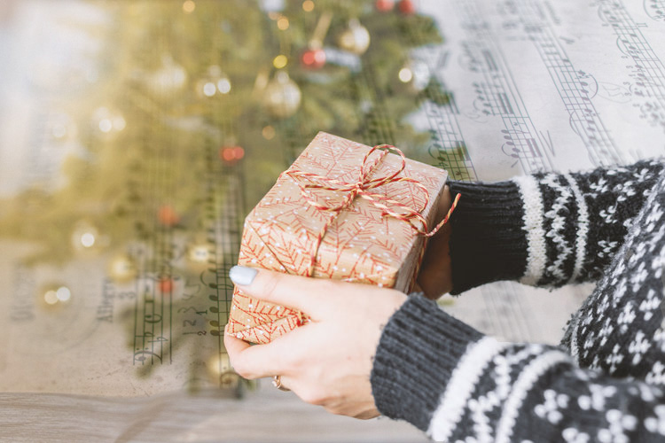 Looking for Creative Holiday Gift Ideas? - Classical music concert tickets make fantastic gifts. And when you purchase a Season Subscription package, you'll save 20% off the normal ticket price.Best of all, they'll enjoy your gift throughout the year!So this year, give the gift of music.