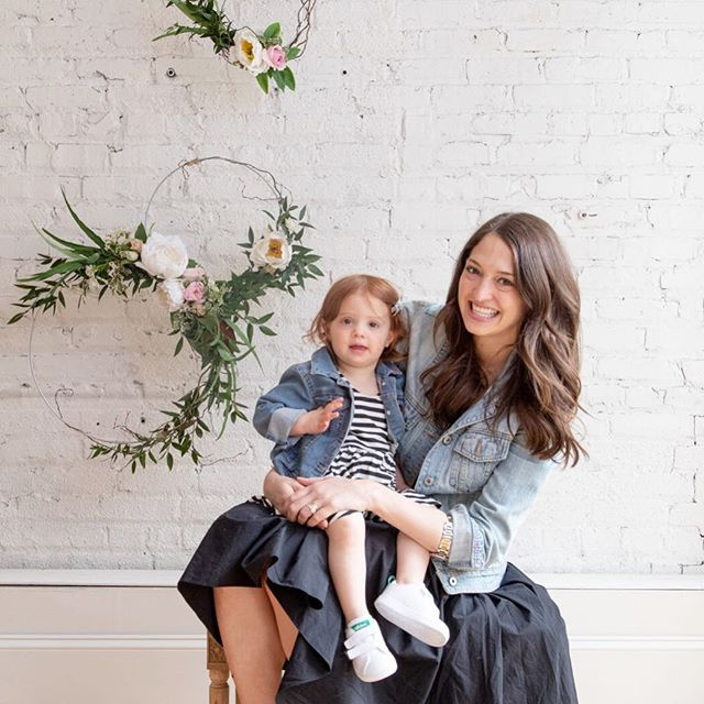 "Meet a #mamamakingit @jessie_mash  Brand strategist for @monicaandandy, jetsetter and super mom. It was so great catching up with her and her sweet babe at our first #mplsmomtribe event. . . . . Part of our mantra is ""Littles Always Welcome""  we believe as a mom you should  have the opportunity to connect + collaborate with others while your littles have fun. Lets face it, we have enough mom guilt as it is and why should we leave our babes at home?! #mplsmomtribe #littleswelcome #minnesotamom #toddlermom #minneapolismoms #mplsmom #mplsmoments #mombloggers #momslivinghappy #momsquad #wayzata #minnetonka #minneapolis #toddlermom #mnbloggers #bloggerevent #momevent #mplsmn"