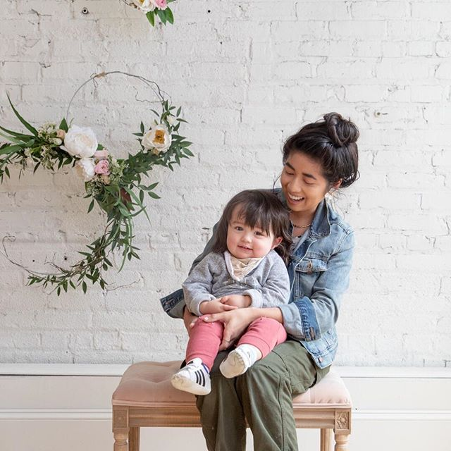 Meet  @youngbrokefabulous and her sweet babe. She's a Mpls #mamamaking it and apart of our #mplsmomtribe . . . . #momlife #mompreneur #mplsmama #mplsmomtribe #momlife