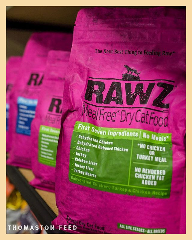 The purrrrrrfect food for your fluffy feline🐱 ⁣ ⁣ Drop by Thomaston Feed this week & pick up RAWZ cat food⁣ ⁣ Trust us, your cat will thank you later😻