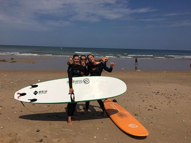 Join us for a week of surf in June! Great chance to learn how to surf, meet new friends and visit the Basque Country. From 9-15 June, you stay in lovely Maison Marienea right in the centre of Guethary. Read more and book at surfcampjohanna.com🏄🏼‍♀️ #surfcampjohanna #surf #surfing #surfcamp #guethary #biarritz #waves #maisonmarienea #basquecountry #sudouest #southwestoffrance