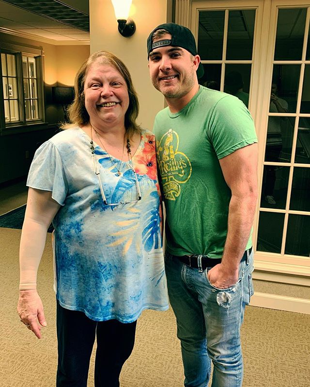 Got to spend a little overdue time with the first person to ever believe in me in this crazy town, and I'd be fine if she was the last. Love ya mama Rene! And thank ya @thetimmcgraw for keeping me in mind and believing in our song #neonchurch