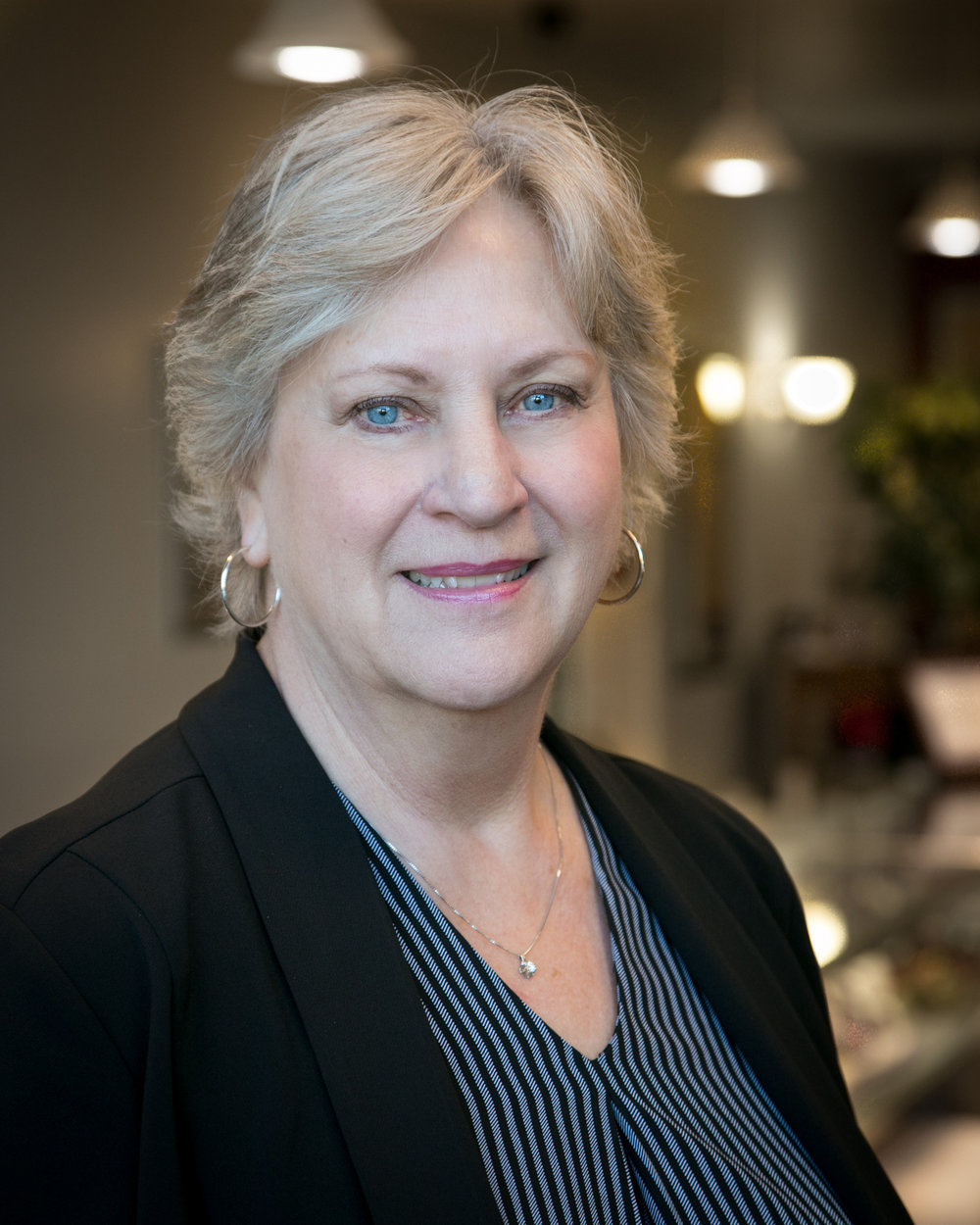 Vickie Tait  is a Certified Diamontologist with Diamond Council of America.