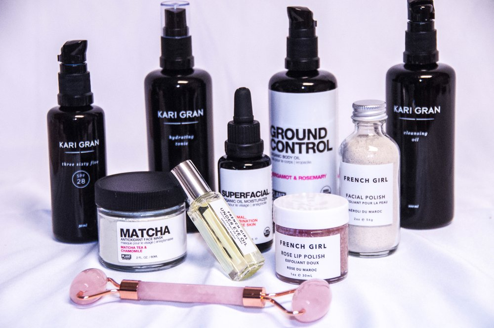 Mom On The Run - A kit carefully curated to provide a quick and easy beauty routine for moms focused on maintaining healthy, glowing skin even on 3 hours of sleep.