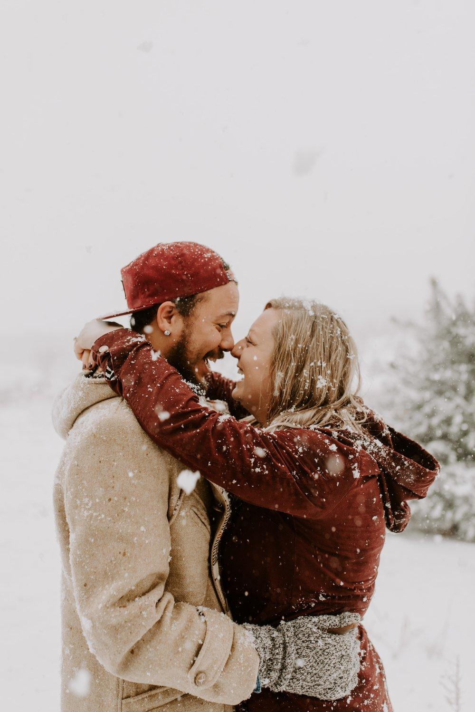 Iowa City Winter Engagement Photos 4.jpg