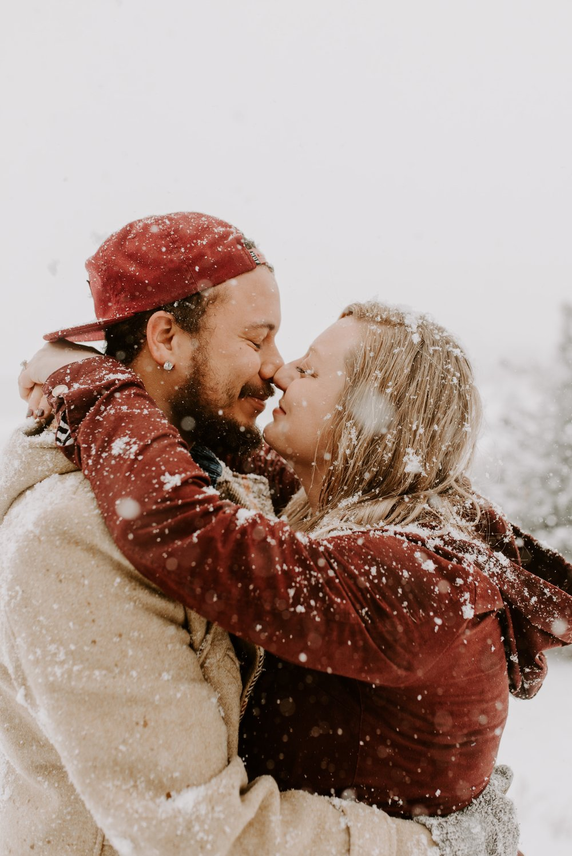 Iowa City Winter Engagement Photos 6.jpg