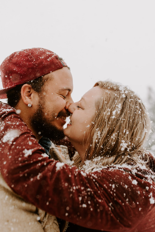 Iowa City Winter Engagement Photos 7.jpg