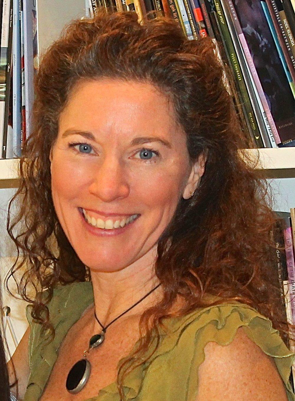 Suzanne headshot 3.jpg