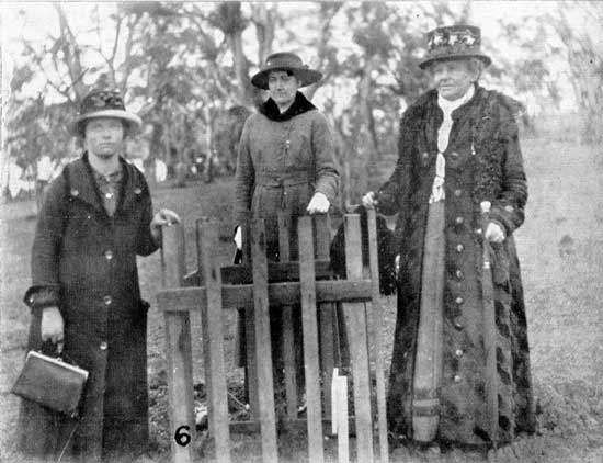 Unknown group of mourners at tree.  [Tasmanian Mail 15th August 1918 p17]