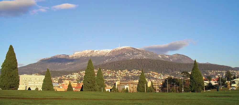 Cenotaph.  © Tourism Tasmania & Kathryn Leahy.