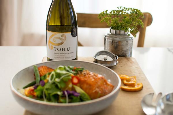 Tohu-Sauvignon-Blanc-Salmon-5440+(1).jpg