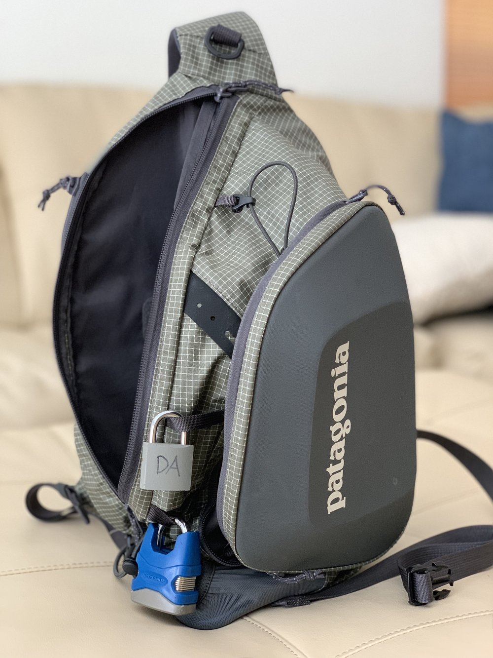 The Patagonia Stealth Atom Sling 15L