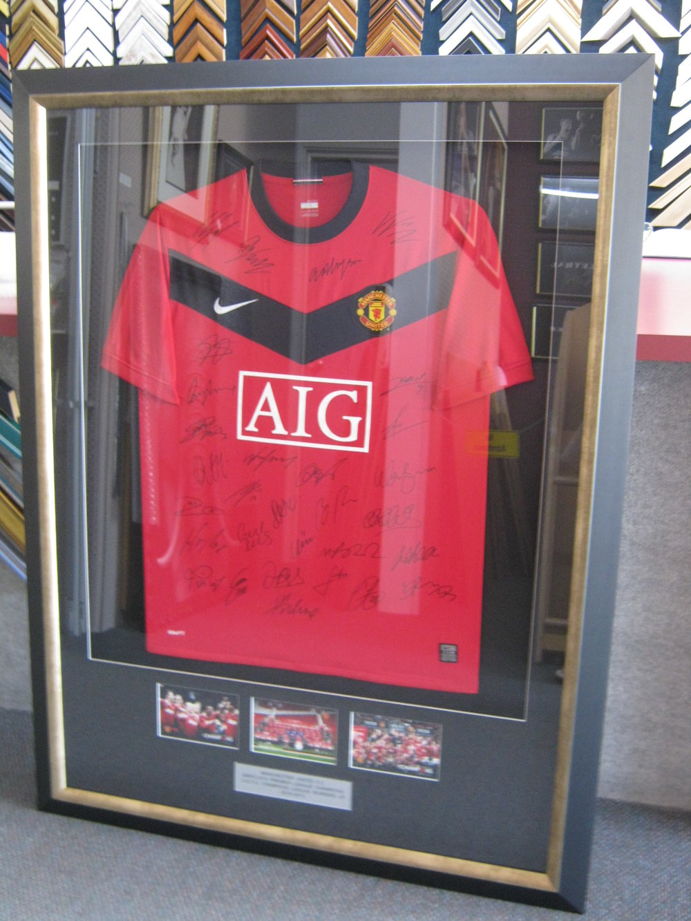 Manchester United Shirt with Photos