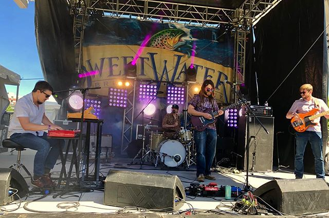 🎄We had a BLAST at @420fest !!!!!!🎄What an incredible experience, so much gratitude to everyone who's supported us so far on this journey. 🙏 We never expected that after a little over a year together we'd be at #sweetwater420fest on a bill with some of our biggest musical heroes... thank you all for the support! 🙏 Next up is @moonphaseproductions #phasesixluminousawakening doing the LAAAAATE night party on Saturday. Lets rage friends!!! #thesnozzberries #thesnozzberriestastelikesnozzberries #ashevillemusic #psychedelicrock #jamband #goseelivemusic #wooklife #gibsonsg #gibson #nord #moog #moogsub37 #ashevillenc