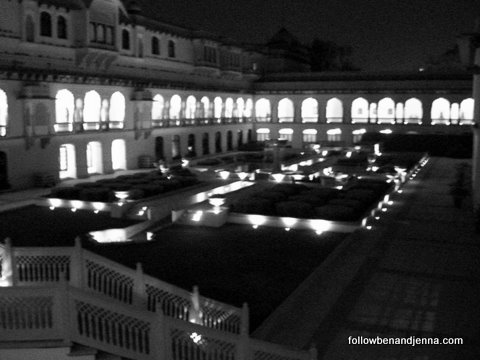 The serene grounds of Rambagh Palace, Jaipur