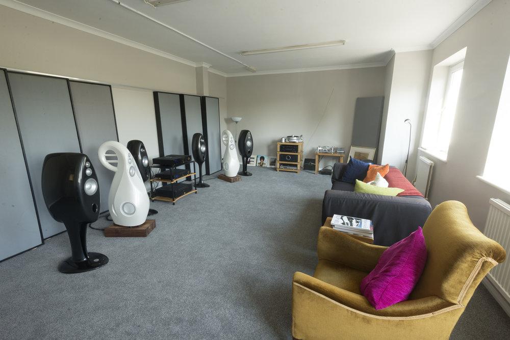 Upper Listening room side_DSC0579.jpg