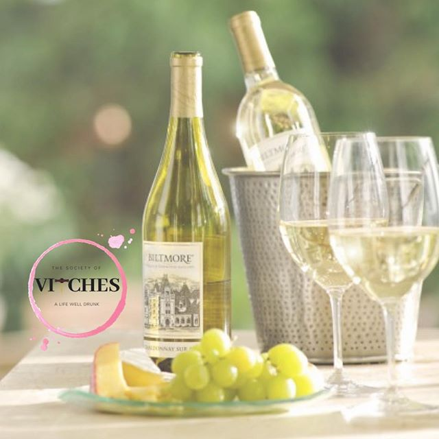 You know what WEDNESDAY means... Wine Time! Hey, next Society of VITches meet up is Tuesday, March 5 - reservations are open - follow the link in bio to UPCOMING EVENTS to claim your spot at the tasting table! We heading around the world 🌎 to taste interesting whites. If you're not a white wine fan - this tasting will change your mind. Join us for a great evening. . . . . #winetasting #tastingclub #sparkling #worldofwine #StepAwayFromTheChardonnay #whitewine #womenempowerment #savvysippers #EDUtasting #winED #LifeWellDrunk #winetime #summersippers