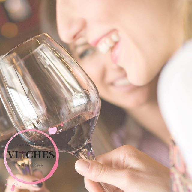 Hello lovely Friday! . . . . . . . #wine #winetasting #friday #instawine #womenandwine #internationalwomensday #women #savvysippers #womenempowerment #EDUtaste