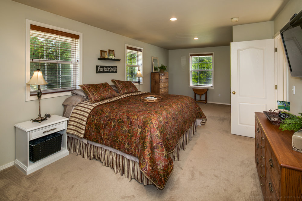 Home on Acreage for Sale Bellingham