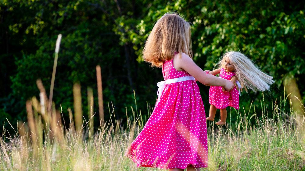Girl_pink_dress_doll_bear_04.jpg