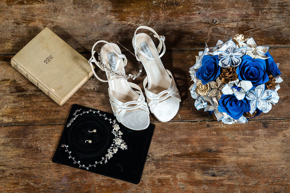 The 5 details you want your wedding photographer to capture on your big day. - Beyond the dress, the bouquet and the veil.