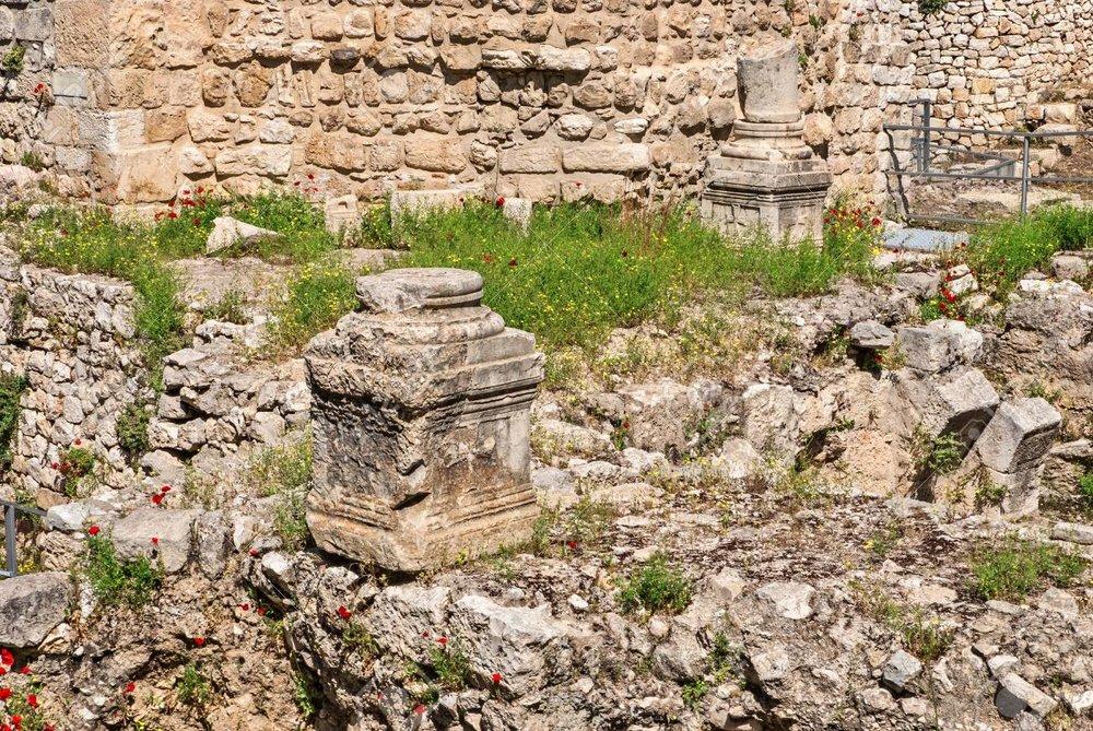 40965862-ruins-of-the-temple-of-serapis-in-jerusalem.jpg