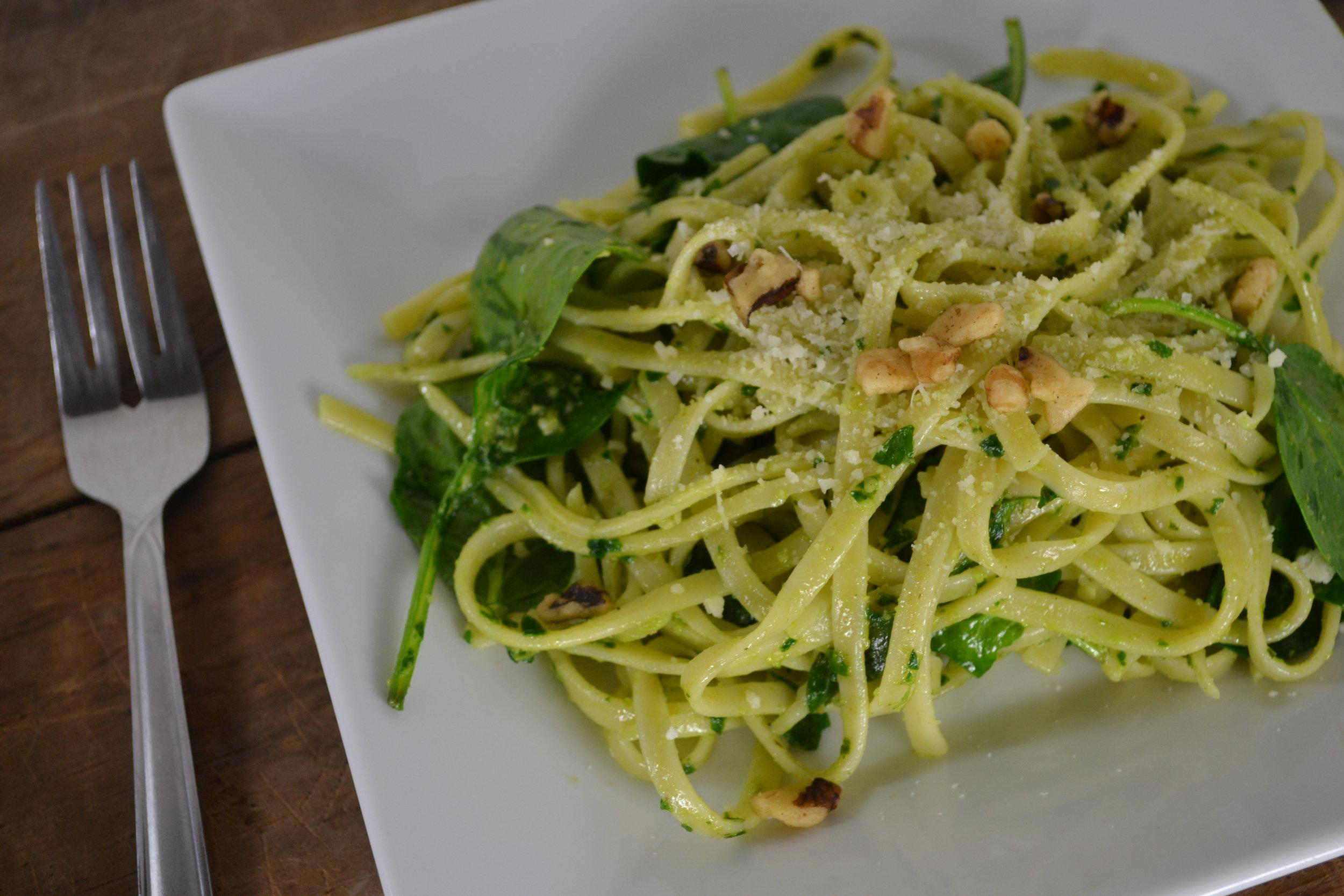 Fettuccine with parsley pesto 1