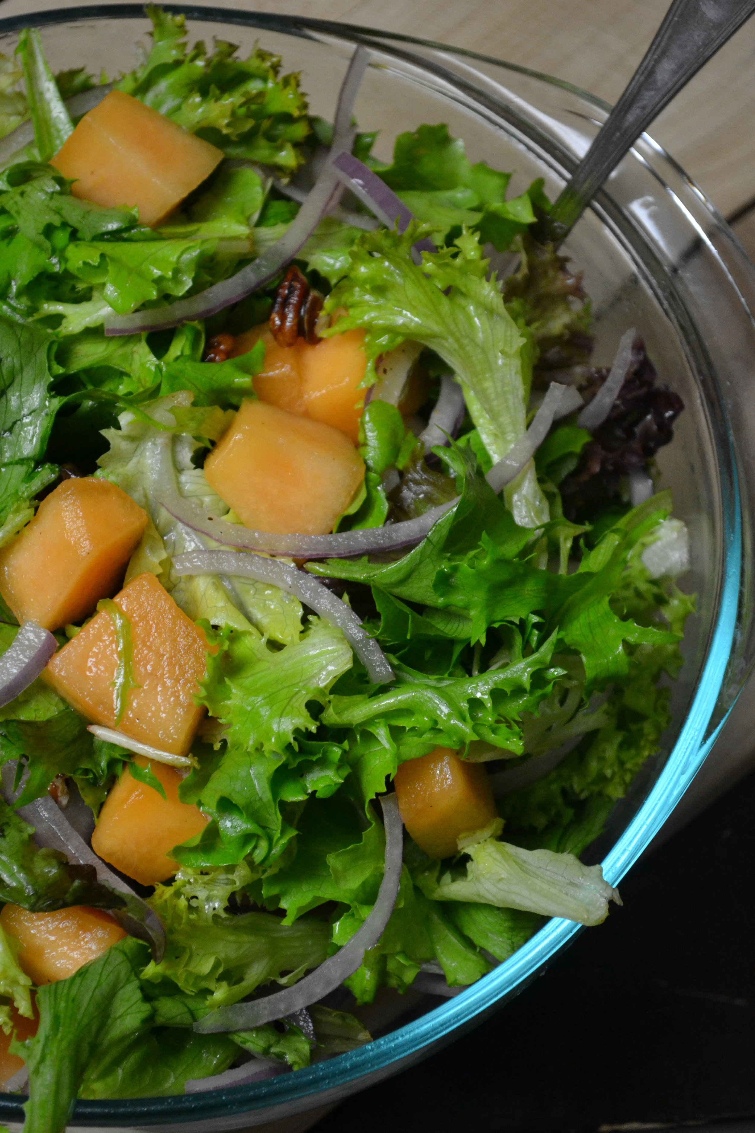 cantaloupe, red onion and pecan salad