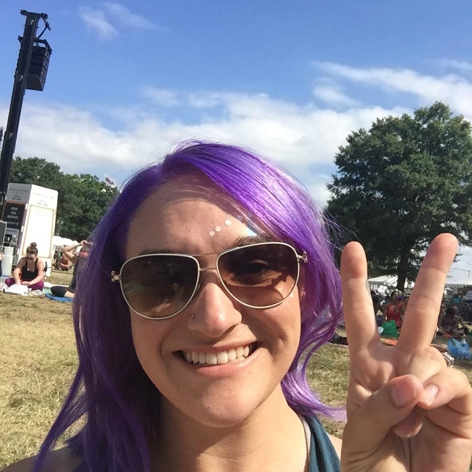 Bright purple hair at Wanderlust 108