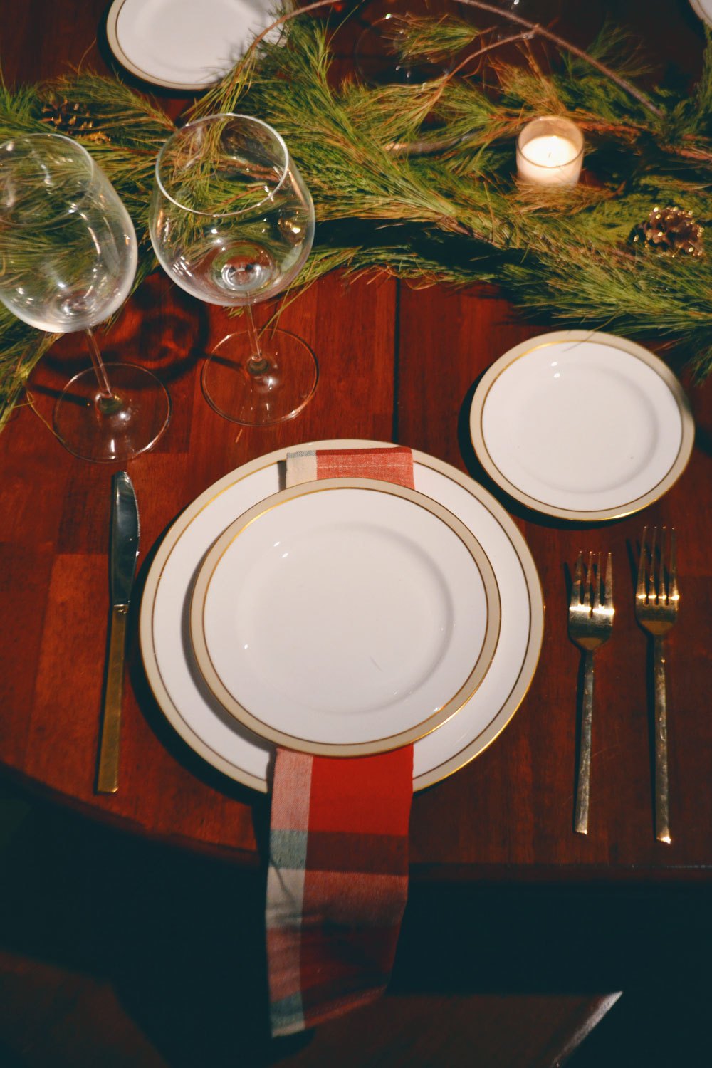 christmas-eve-table-setting-1