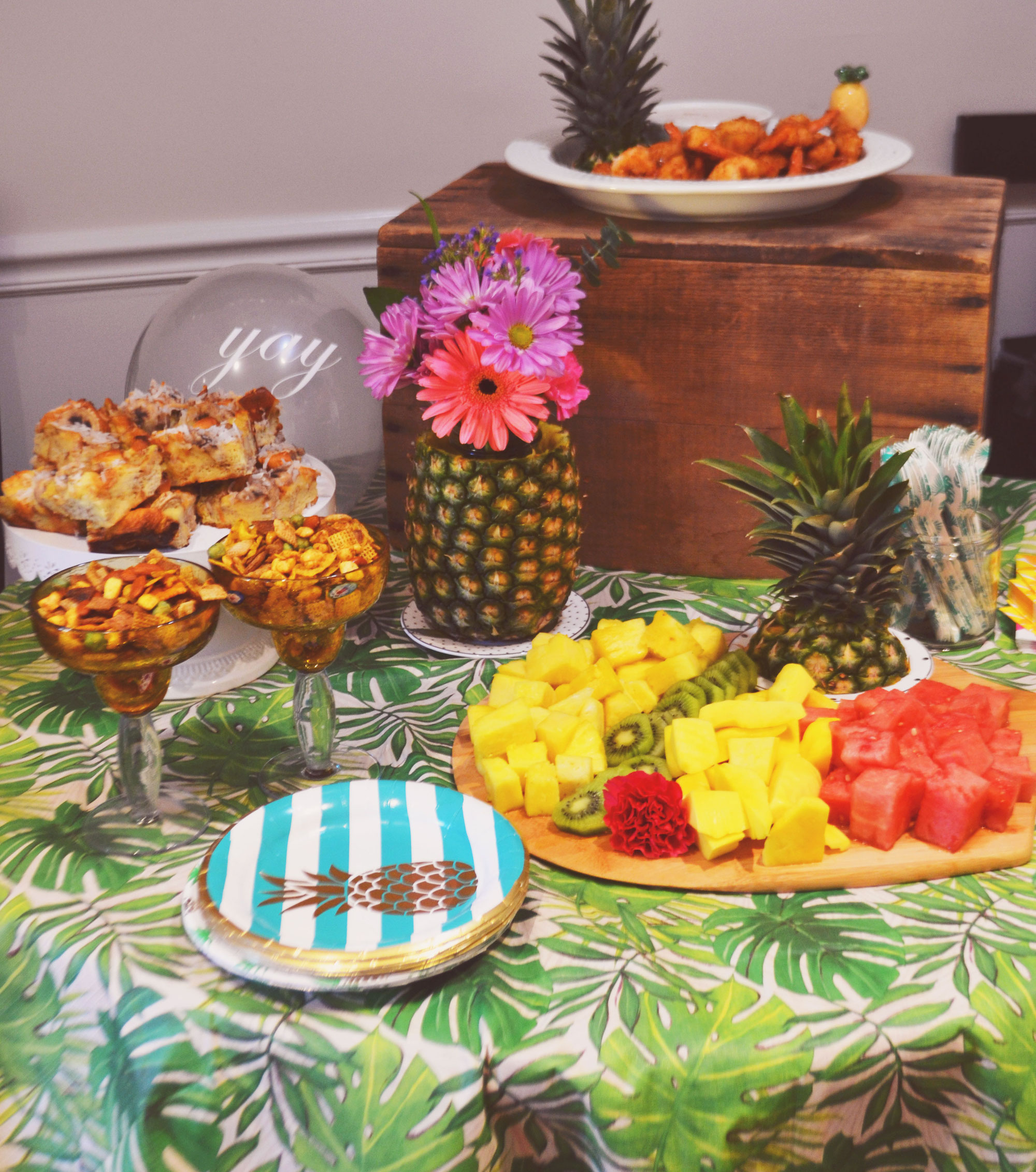 Hawaiian themed brunch spread | Aloha Summer Brunch | BySarahRae.com