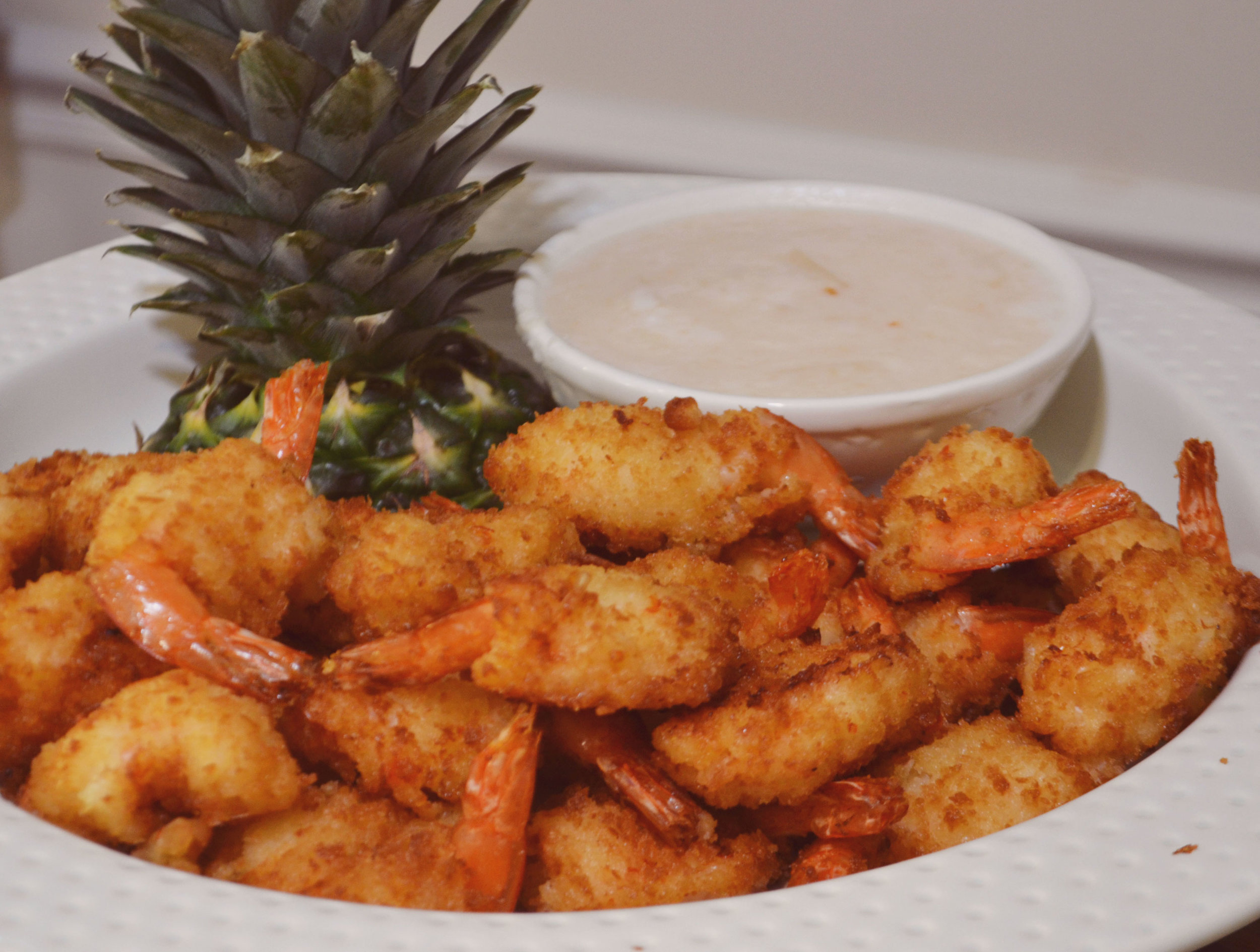 Panko Breaded Shrimp with Pina Colada Dipping Sauce | Red Lobster knock off | BySarahRae.com