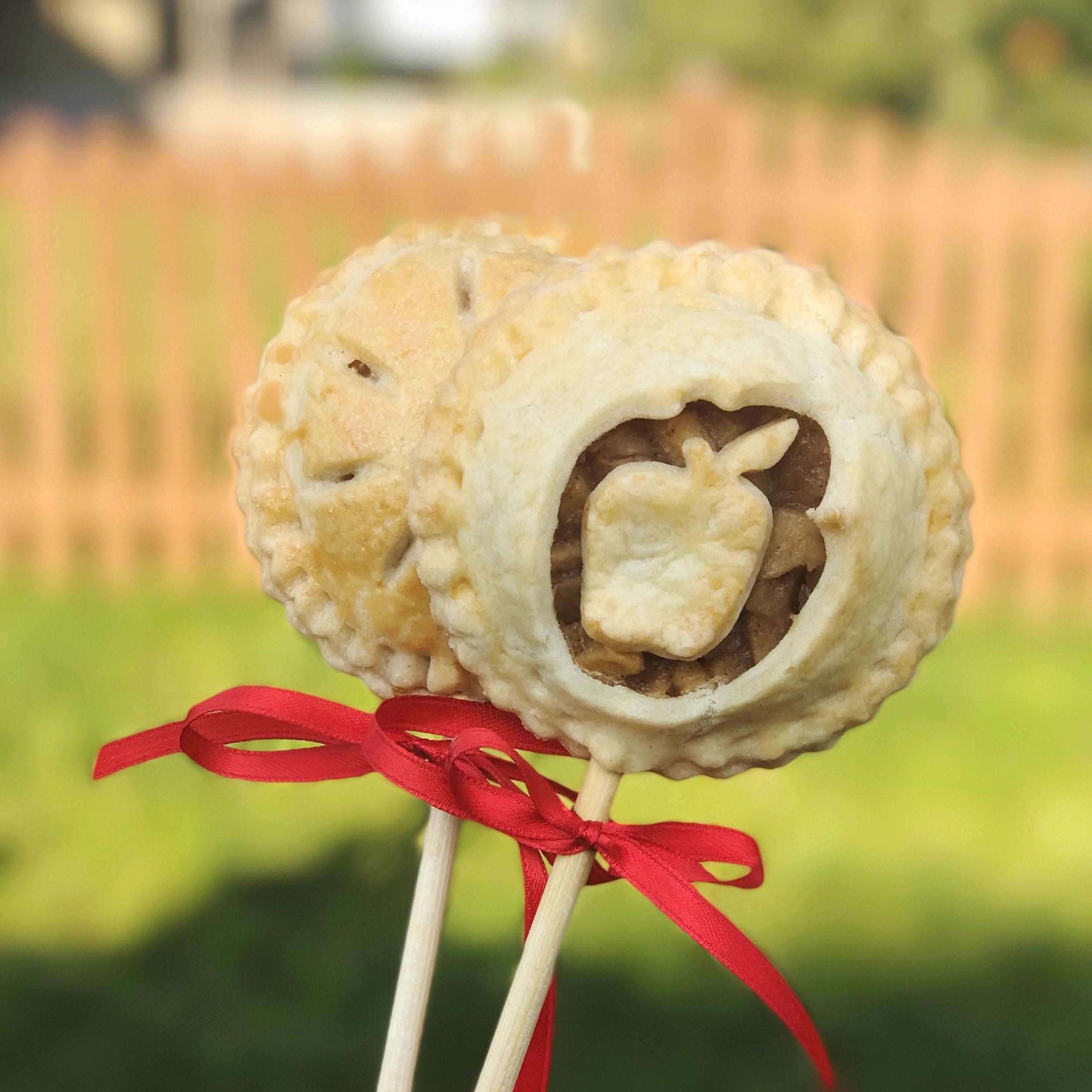 Apple Pie Pops | Weekend Links Number 8 | BySarahRae.com