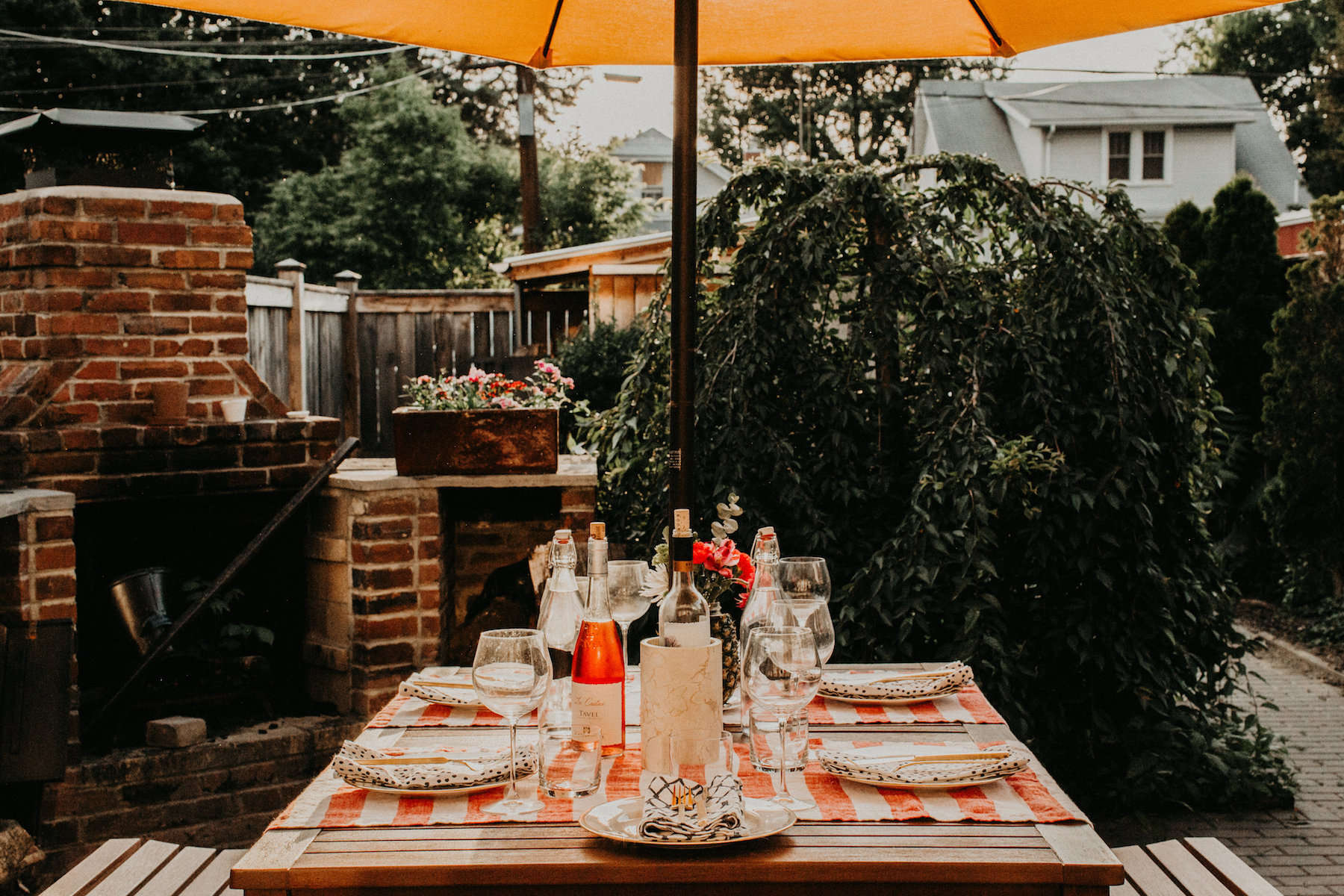 Backyard Summer Patio Party Table Set Up | BySarahRae.com