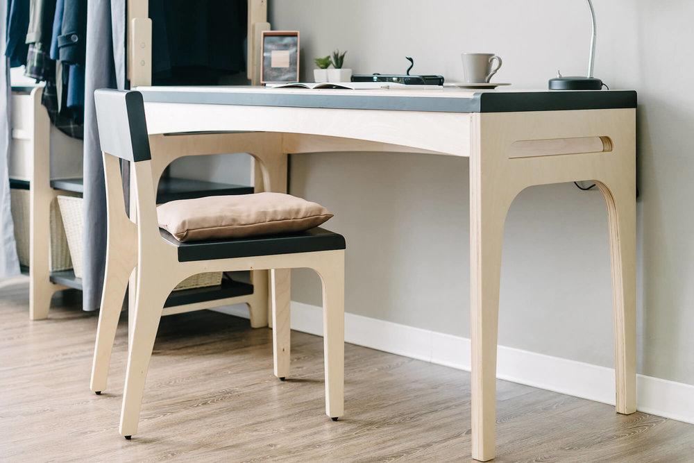 家具使用进口桦木。