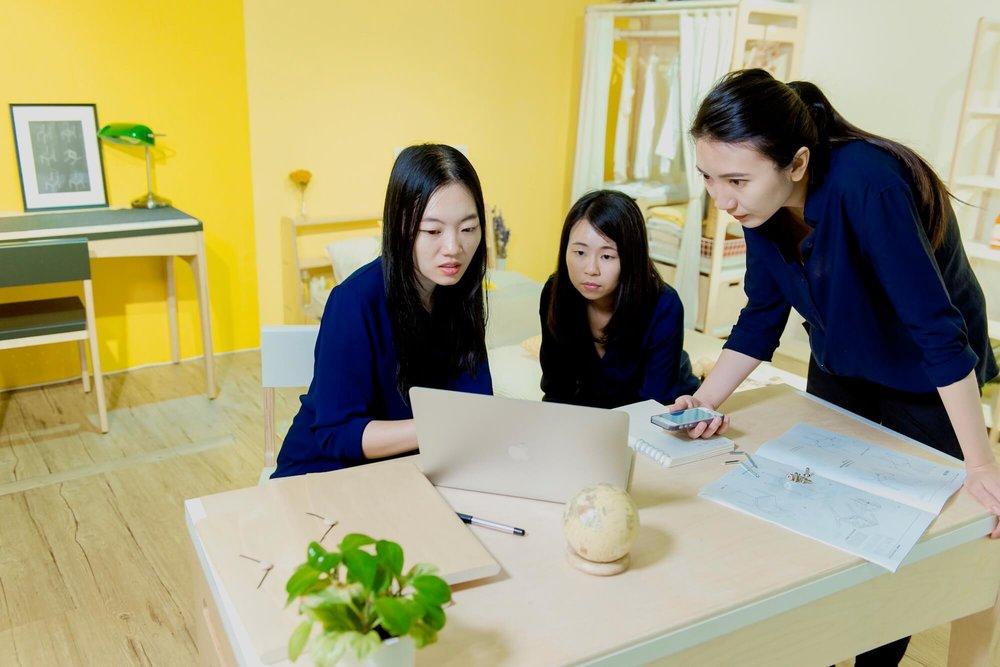 团队三人包办了品牌所有从开发到销售的庶务。
