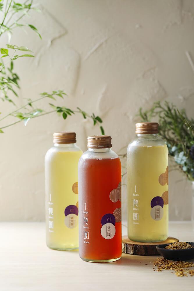 瓶身包装因茶种不同的设计标志。