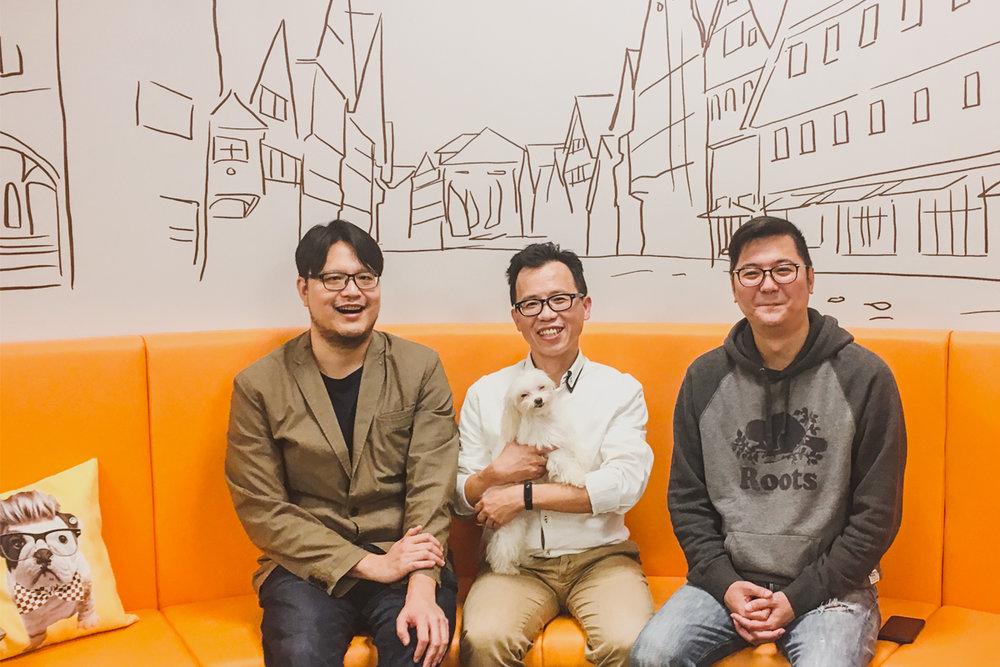 陪心宠粮提案团队的三位共同创办人,由左至右依序为:大新、Leves、Kevin