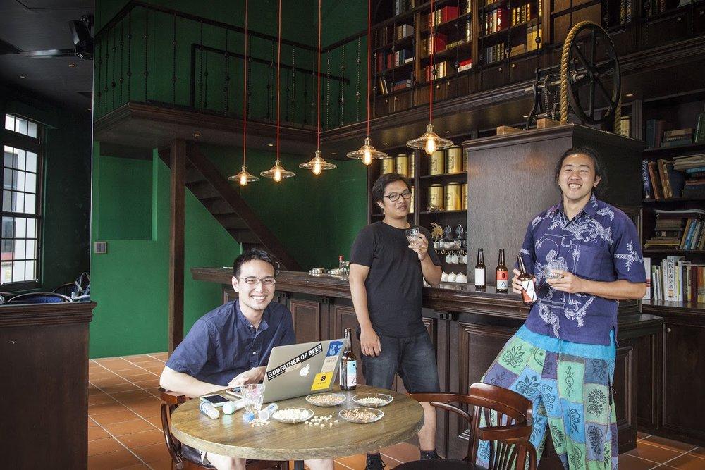 左一:Robert Chen
