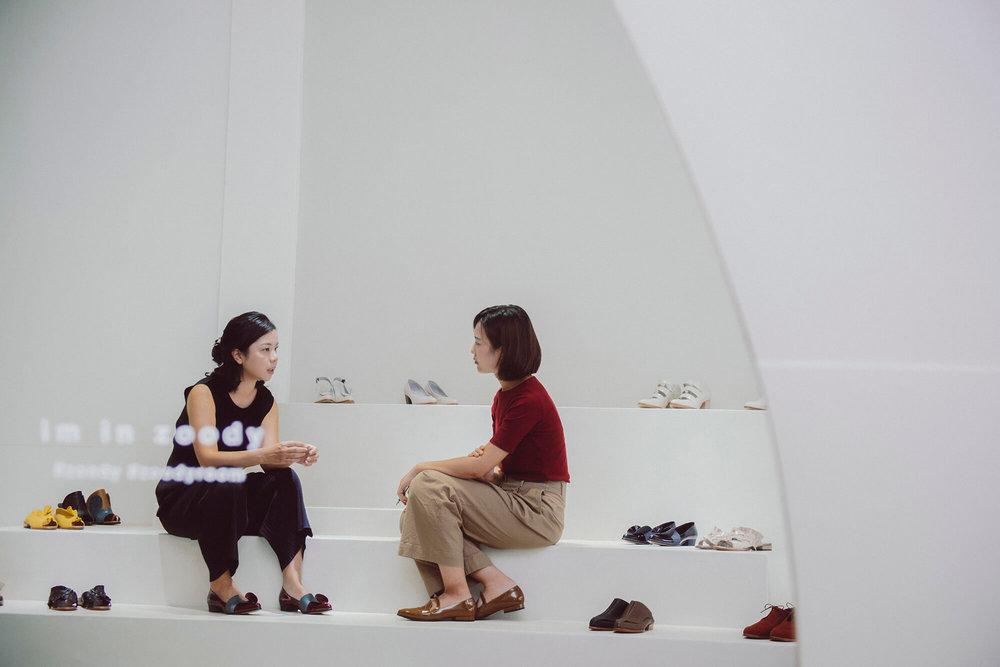 展示阶梯是鞋履的伸展台。