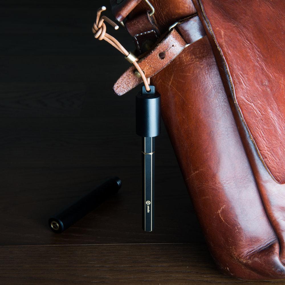 创办人宜贤每天使用的物外随身钢笔,便利的携带方式让钢笔变得更平易近人