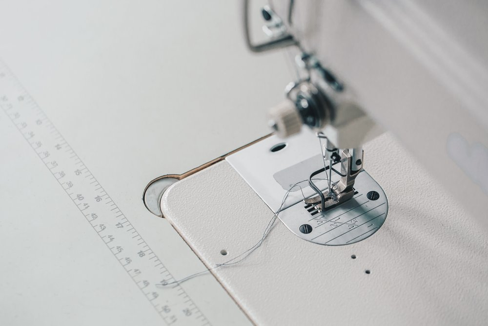 sewing-machine-needle-angle-view_4460x4460.jpg