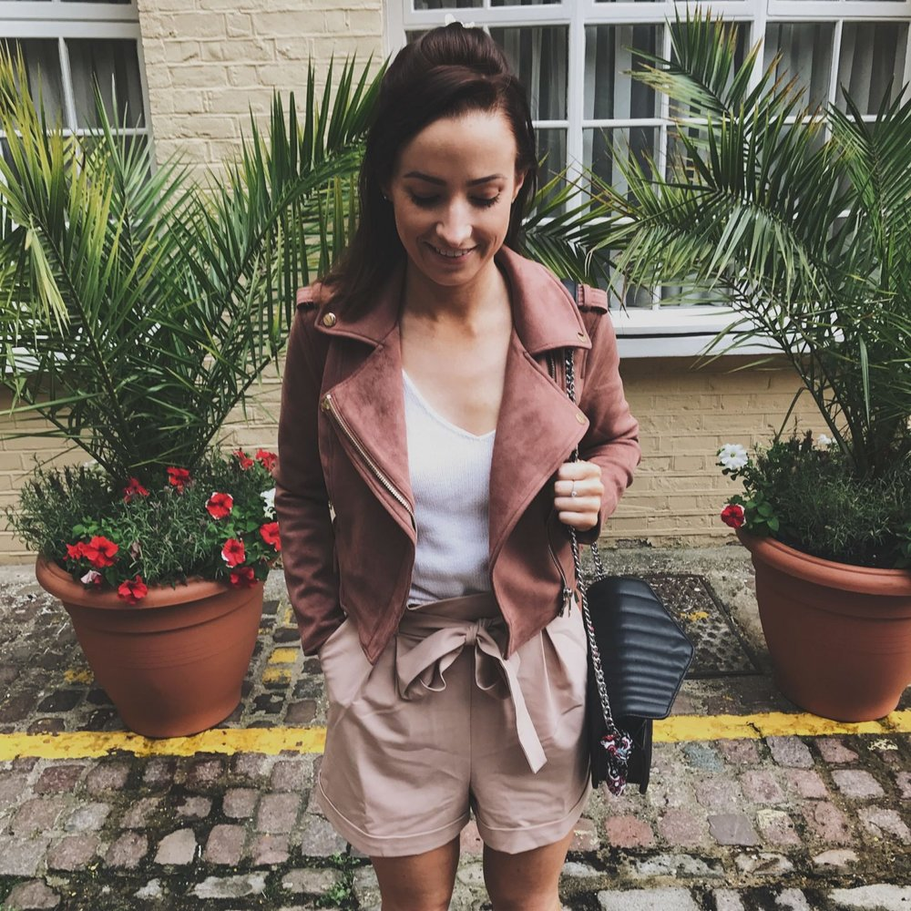 River-Island-pink-suede-jacket-and-tailored-shorts_EllaRyderIMG_4497-1600x1600.jpg